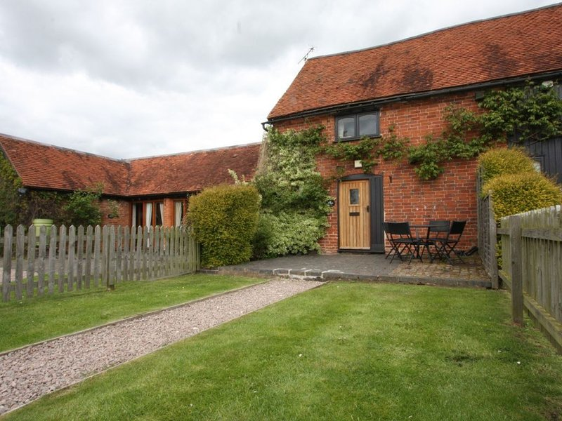 Octavia Cottage - Whitley Elm Cottages - 2 bedroom cottage Sleeps 4 + cot, location de vacances à Henley in Arden