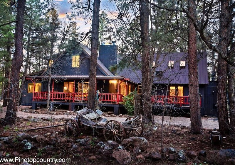 Premier Pinetop Country Getaway - Luxury at its finest!!!, location de vacances à Pinetop-Lakeside