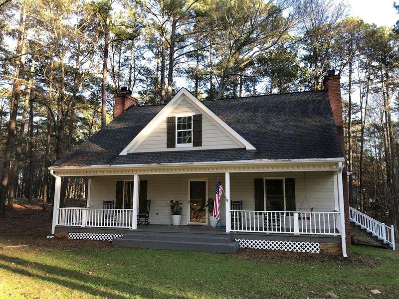 Lake Oconee Pet Friendly home, holiday rental in Greensboro