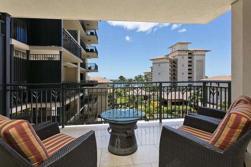 Ko Olina Ocean Tower Combo - 2 units, vacation rental in Waipahu