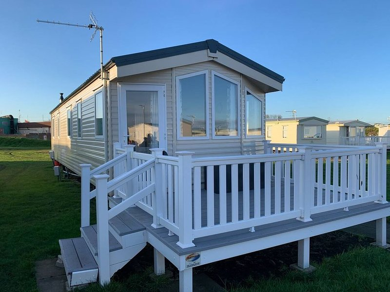 Brand New Seaview Caravan - Sleeps 8, alquiler vacacional en Choppington