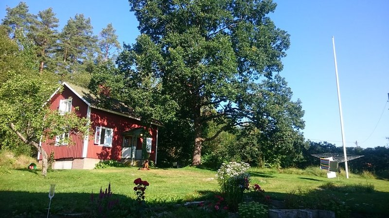 Charmig stuga i lantlig miljö, holiday rental in Vastmanland County