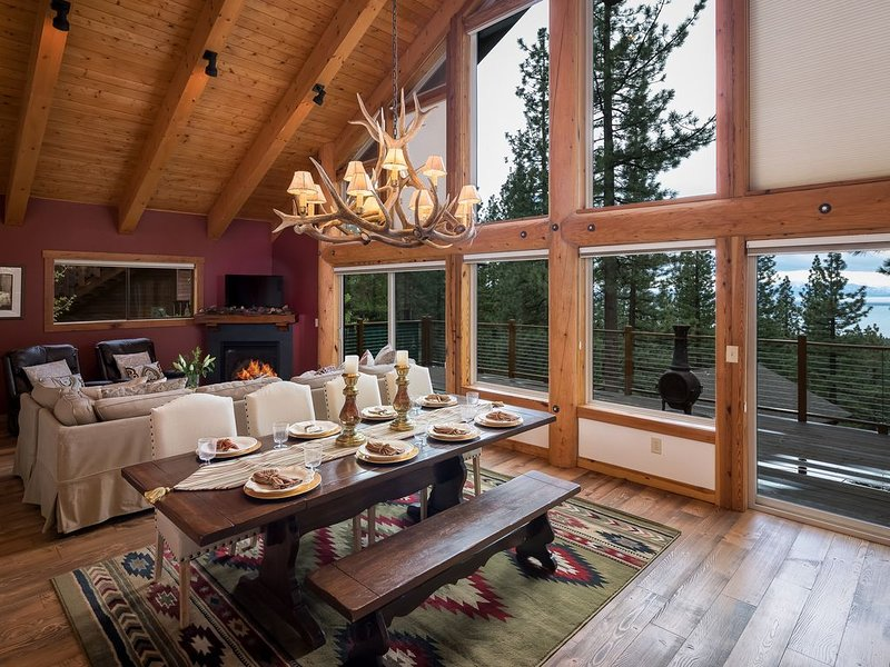 NEW LISTING WOW!  A 5 Bdrm/4 bath Haven in North Lake Tahoe!, holiday rental in Carson City