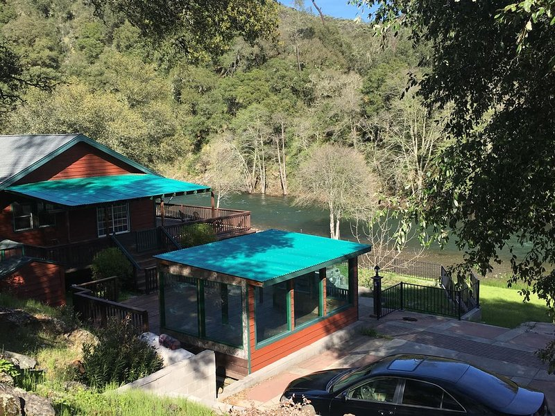 River House-Retreat!, holiday rental in Pollock Pines