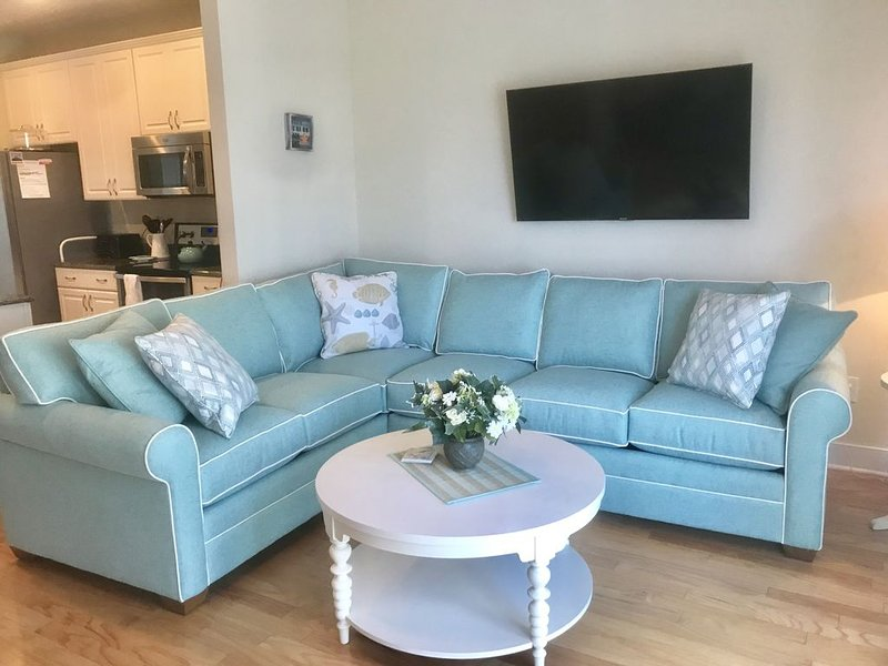 GorgeousTownhouse,Beautiful Bay Views,1 block from Ocean, Free WiFi, linens inc., holiday rental in Ocean City