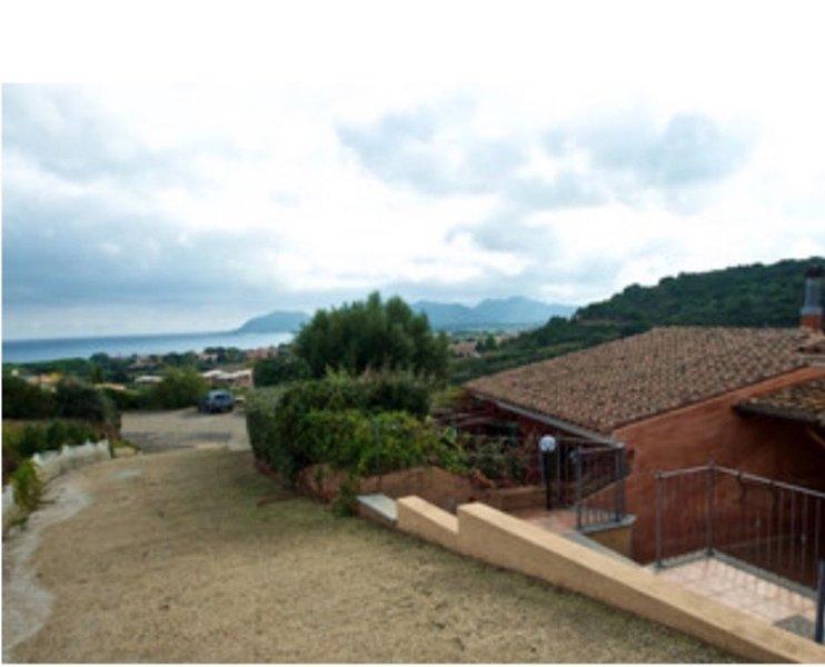 Villa Linda si affaccia sul mare più bello del mondo, holiday rental in Santa Lucia