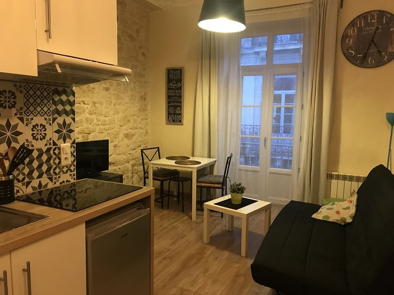 F2 Tout confort 3 couchages Centre ville Montpellier, vacation rental in Montpellier