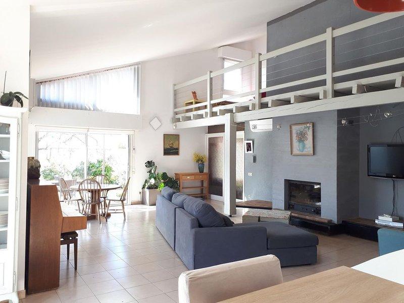 Villa avec piscine proche Perpignan, plage, montagne et  Espagne, vacation rental in Rivesaltes