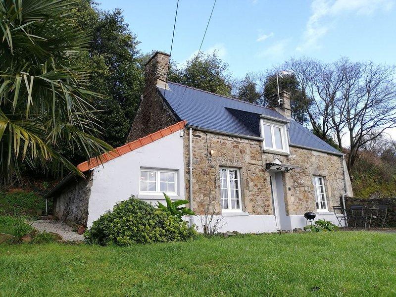 Maison Normande proche de la mer, des commodités, et des principales attractions, holiday rental in Brillevast