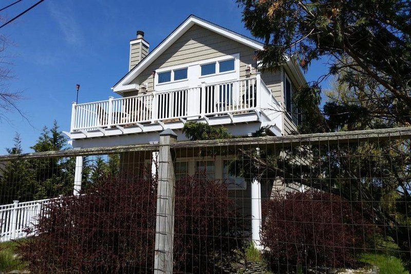 Kismet, Fire Island 4 bedroom family house, location de vacances à Ocean Beach