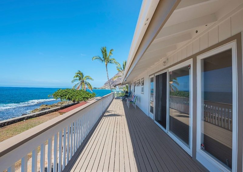 Sea La Vie II Furnished Luxury Oceanfront Home, location de vacances à Waianae