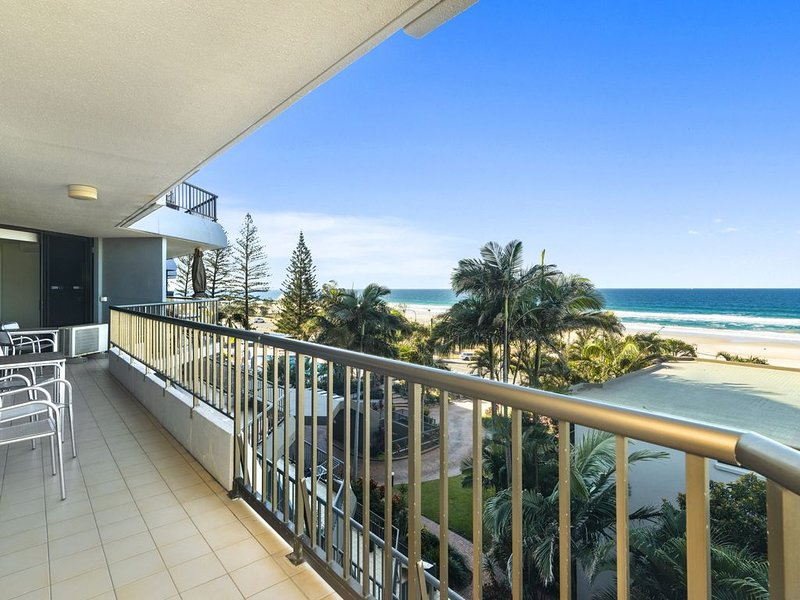 The Rocks Resort, Unit 4i, vacation rental in Currumbin