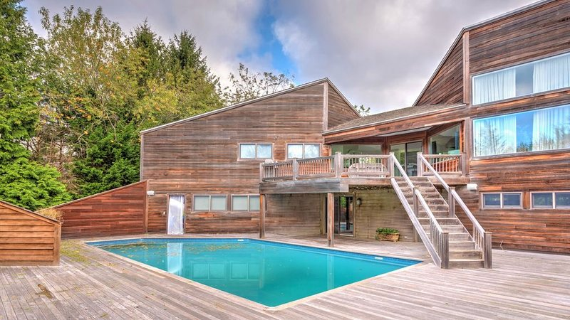 New Listing: Chic and Modern, near scenic Hayground Cove, vacation rental in Water Mill