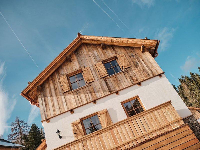 Lovely Chalet in Weißpriach near Ski Lift, holiday rental in Weisspriach