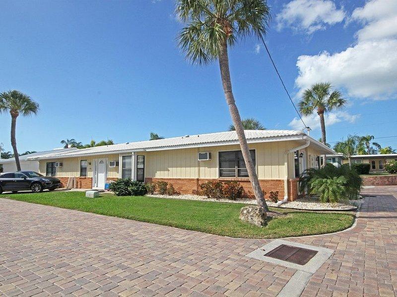 Efficiency Condo Located  Steps Away From The Beach, alquiler de vacaciones en Sarasota