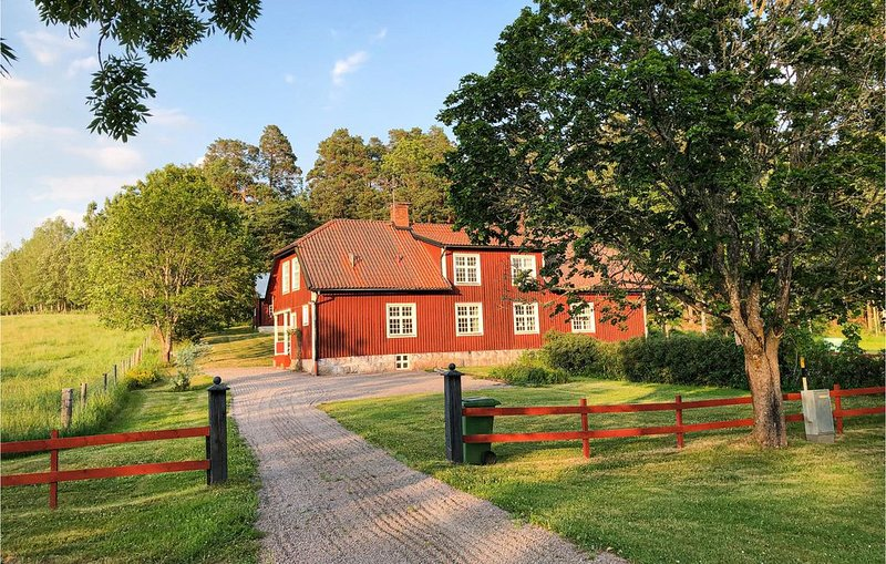 3 Zimmer Unterkunft in Mantorp, aluguéis de temporada em Vreta Kloster