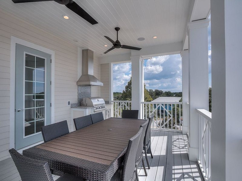 'Southern Cross' New Home Steps to Gulf in Inlet Beach + BIKES + Community Pool!, vacation rental in Inlet Beach