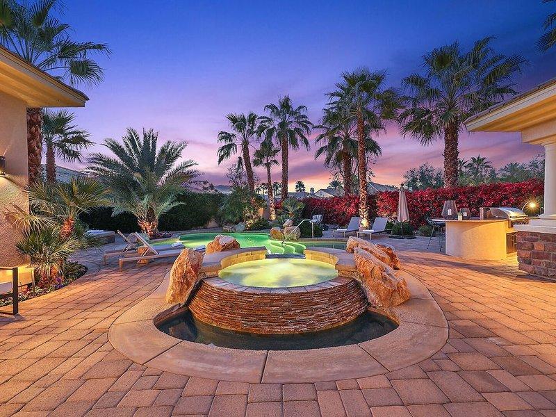 Casa Del Sol - A Modern PGA West Desert Retreat, alquiler vacacional en Mecca