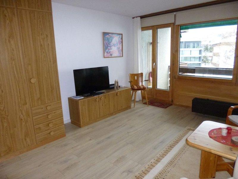 Großzügiges Studio  für 1-3 Pers. mit Balkon, Schwimmbad und Sauna, Davos-Dorf, alquiler de vacaciones en Klosters