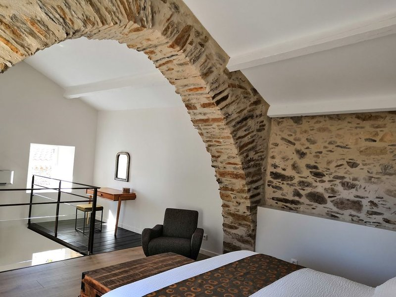 Maison Elora, au pied des Gorges d'Héric (Lumineuse), holiday rental in Mons