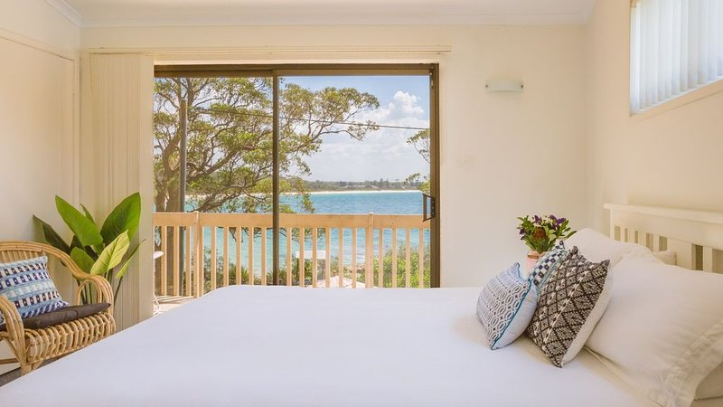Driftwood - Beachfront location, pet friendly, families, holiday rental in Jervis Bay