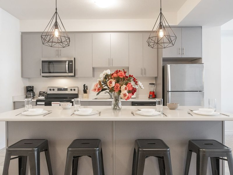 Superb Brand New Spacious Town Home, aluguéis de temporada em Ancaster