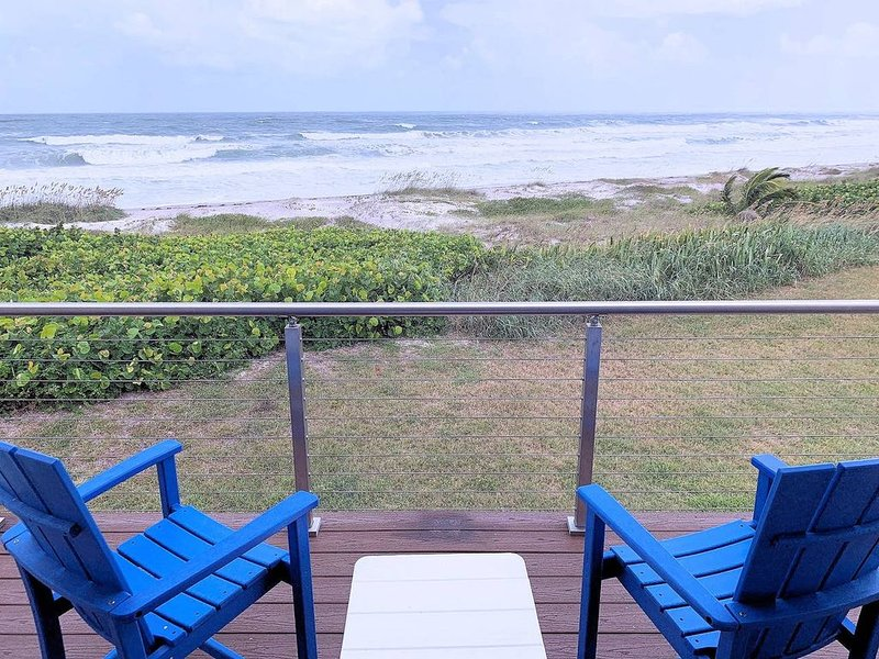 Oceanfront Luxurious Townhome steps to beach, holiday rental in Indialantic