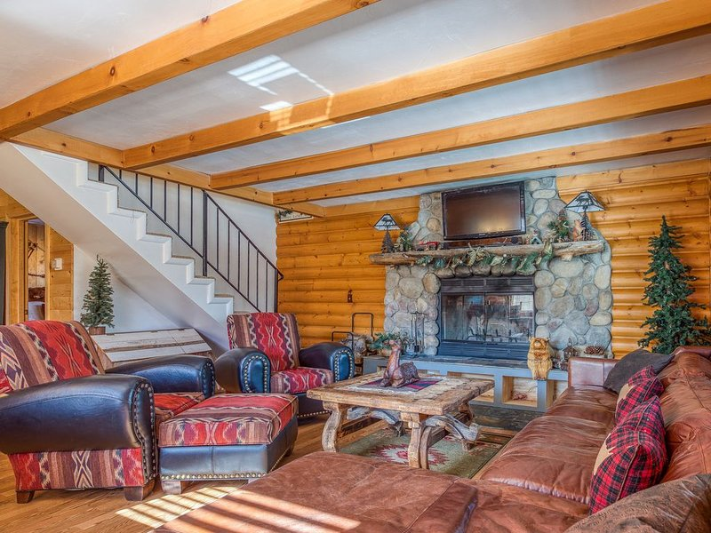 Lovely dog-friendly cabin w/ large deck, grill, free WiFi, and full kitchen! – semesterbostad i Sugarloaf