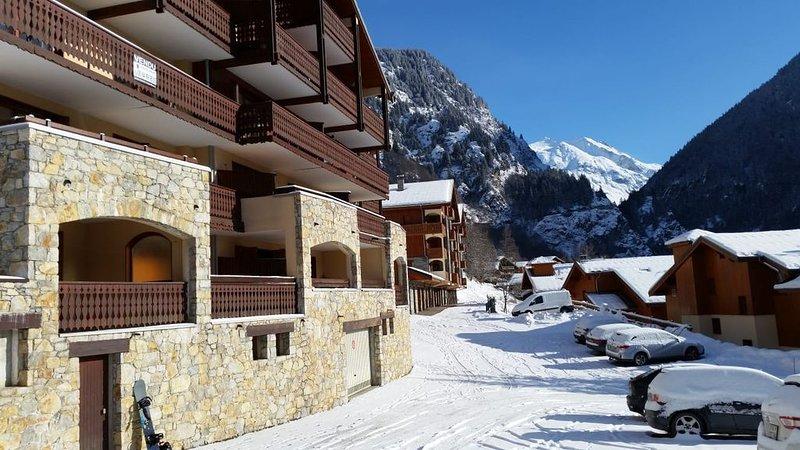 Champagny-en-Vanoise; French Alps; Apartment for 6 near the ski-lift; La Plagne, holiday rental in Champagny-en-Vanoise