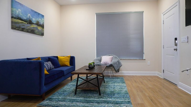 �CLOSE 2 SHORE❤️ | SLEEPS 3 W/ BEACH VIEWS, holiday rental in Beauvoir