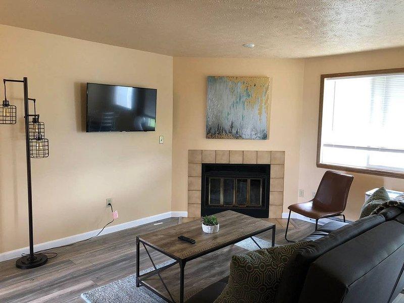 Spokane Valley Newly Remodeled 2 BR Apt, location de vacances à Mica