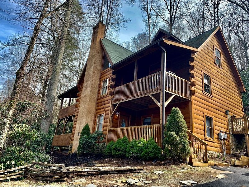 The Lodge at Riversound - Luxurious log home located in Valle Crucis!, location de vacances à Valle Crucis