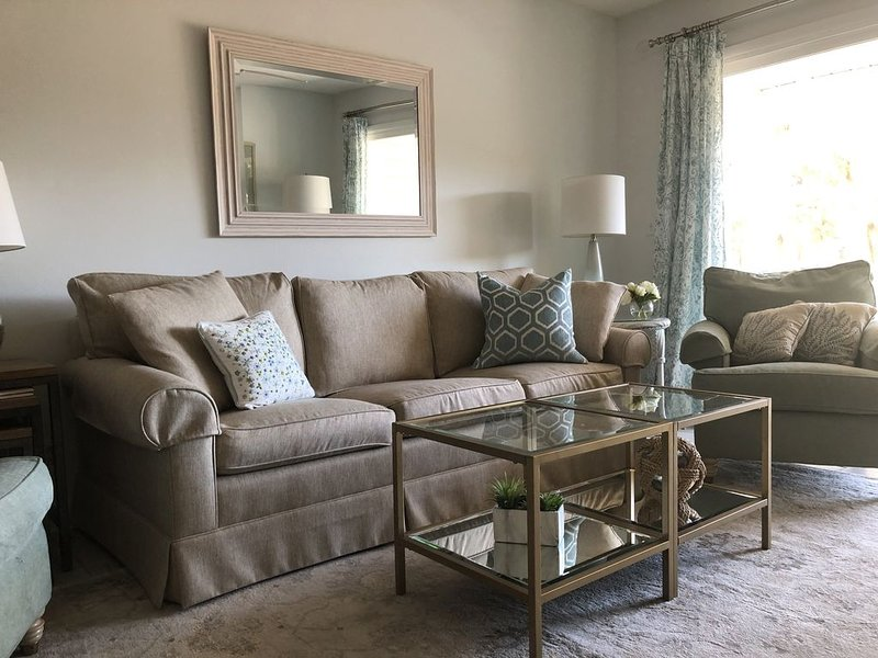 The Oasis - a 3 Bed/2 Bath Condo - Just Remodeled and Newly Available on VRBO !, holiday rental in Saint Simons Island
