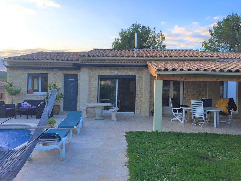 La Cascavelle Maison avec piscine, vacation rental in Cuges-les-Pins