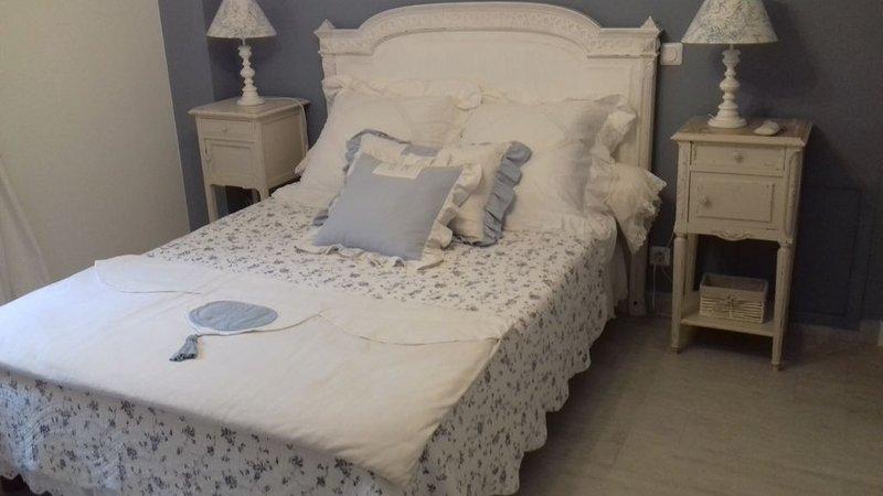 'La Villa Carline'  Maison d'Hotes  au coeur de la Provence  dans une OLIVERAIE, location de vacances à Draguignan