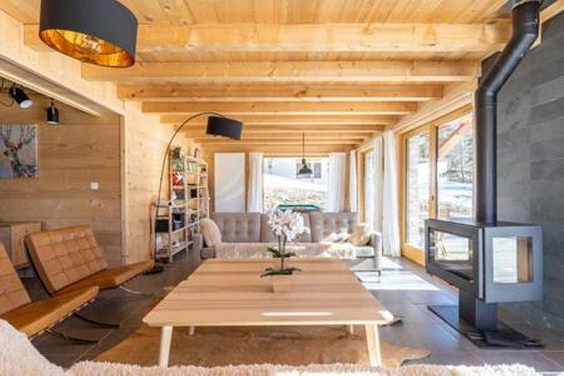 Chalet classé 5 étoiles avec Sauna , Balnéothérapie et Billard., holiday rental in Notre Dame de Bellecombe