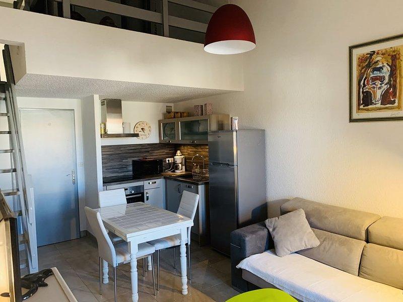 appartement de 40 m2 à 200 mètres de la plage, place de parking, casa vacanza a Bouches-du-Rhone