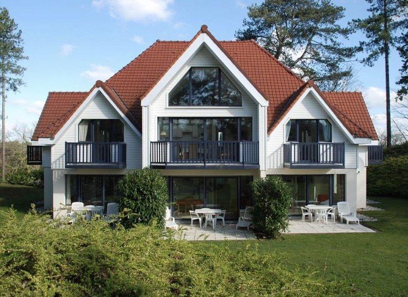 Duplex de charme et résidence de charme à Hardelot idéalement situé, holiday rental in Neufchatel-Hardelot