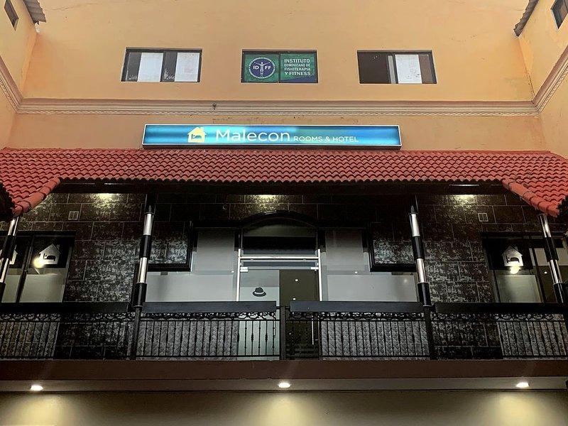 Malecón  Premium Rooms & Hotel, vacation rental in Santo Domingo