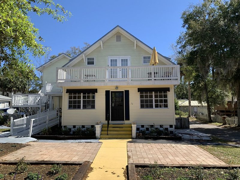 Downtown Historic Mount Dora Apartment, holiday rental in Umatilla