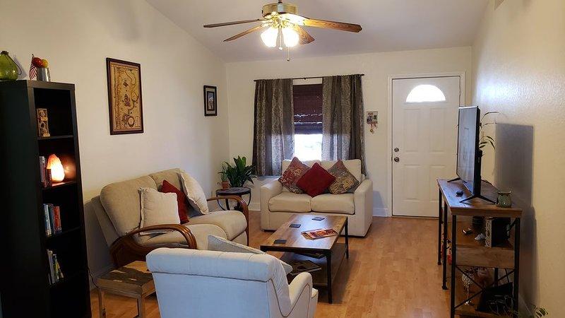 Relaxing spacious house. Great Location!, alquiler vacacional en South Pasadena