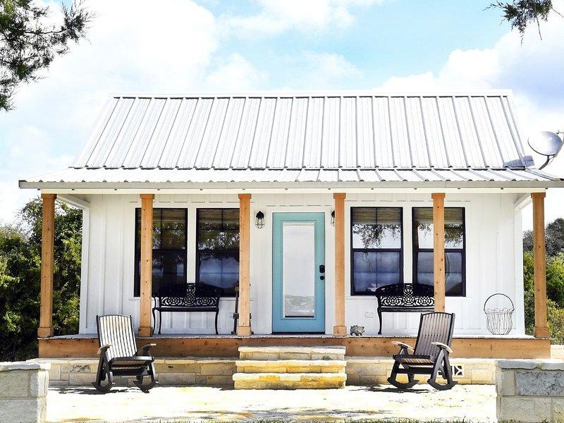 Quaint Cottage - Minutes from Downtown Round Top, aluguéis de temporada em Round Top