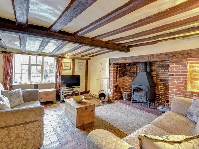 Rosecot - Two Bedroom House, Sleeps 3, holiday rental in Heveningham