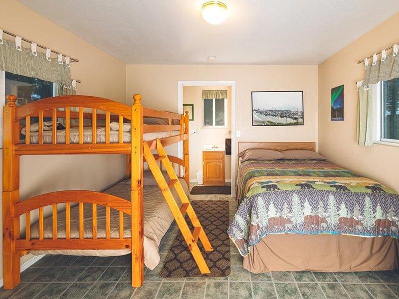 Cabin 2 Lynn View Lodge, location de vacances à Haines