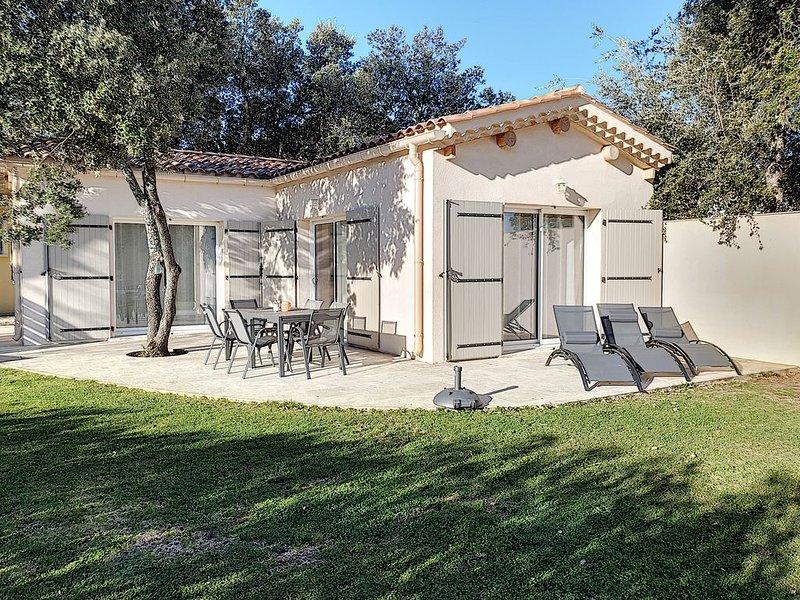 Gîte de charme 3* avec vue Mont Ventoux, holiday rental in Mazan