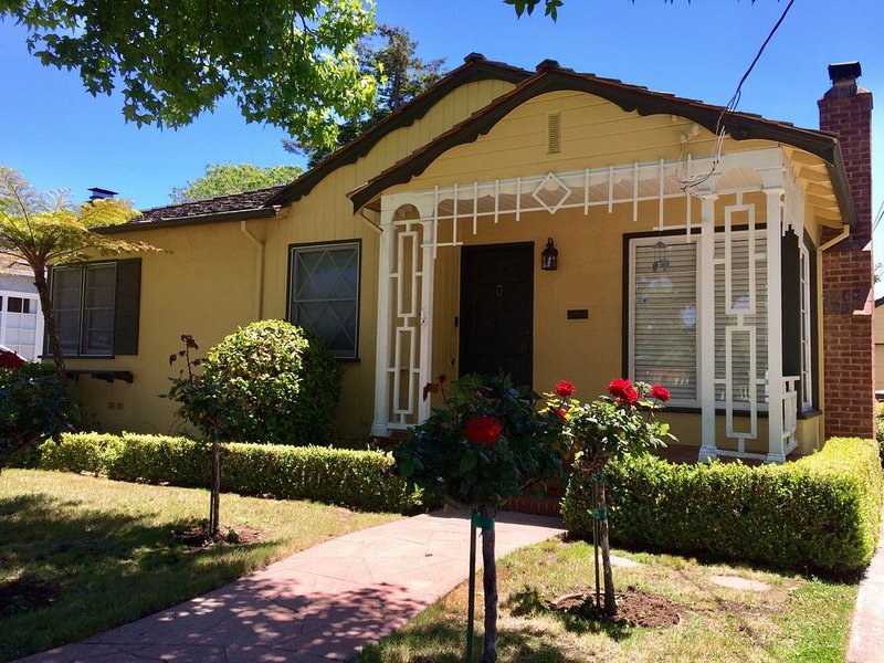 New!  Remodeled home near SFO/Caltrain/Burlingame., vacation rental in San Mateo