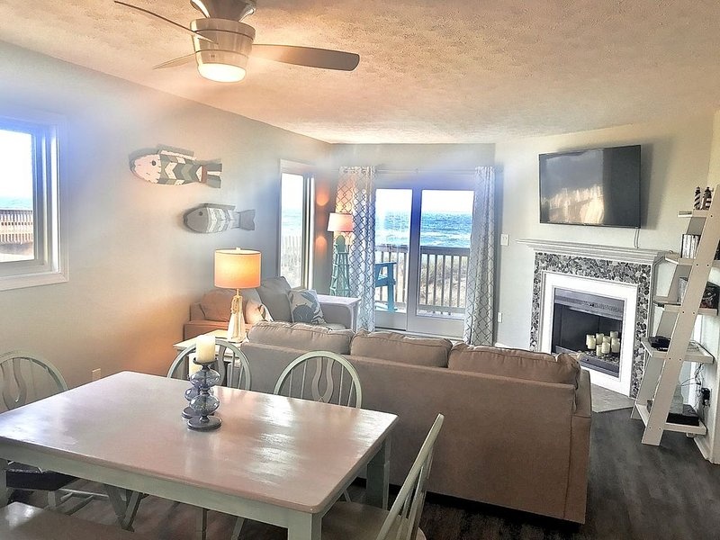 Oceanfront condo with 2 King Beds~2 prime summer weeks open: Aug 29 and Sept 5, holiday rental in Kill Devil Hills
