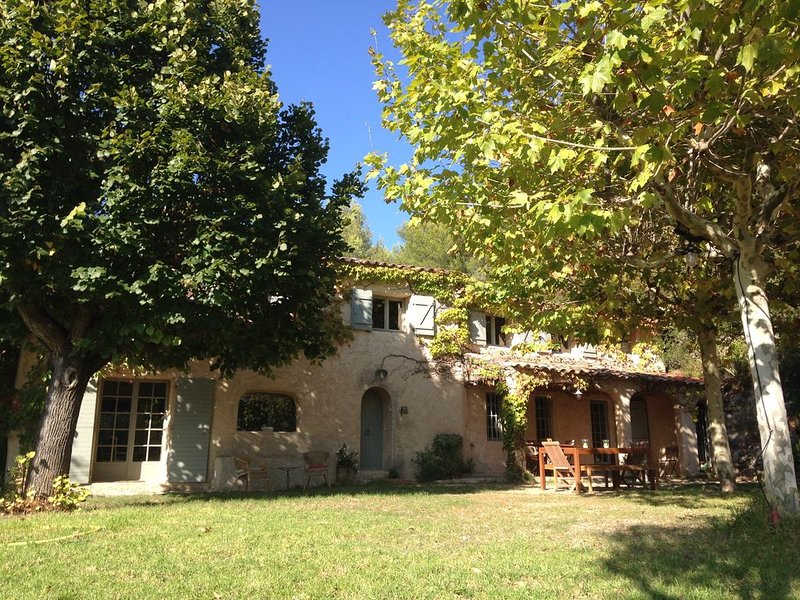 Maison Provençale dans le Var, holiday rental in Evenos