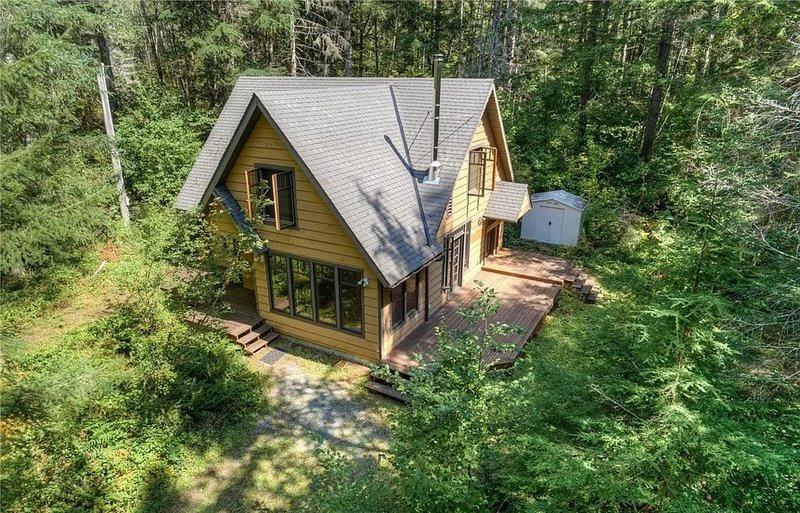 Hidden Haven Cabin Mt. Rainier, holiday rental in Elbe