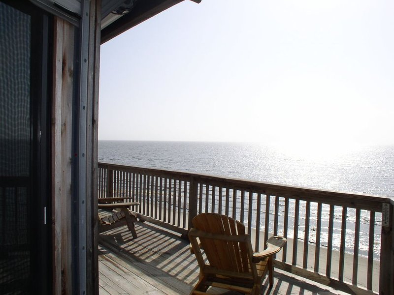 OUR BEACHES ARE OPEN!  Rustic Retreat with Private Beach, holiday rental in Gautier